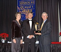 Brenda Potterfield, Ben Phelps (Director, Missouri Quality Award) and Larry Potterfield