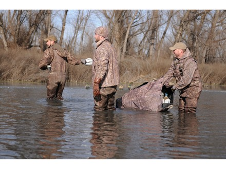 Avery Floating Decoy Bag Holds 24 Decoys BuckBrush Camo