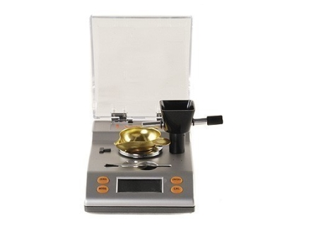 Lyman 1500 XP Electronic Powder Scale 1500 Grain Capacity 110 Volt