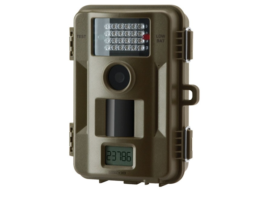 Stealth Cam Skout 7 Infrared 7 Megapixel Game Camera with 8 AA batteries and 4 GB SD Card Green