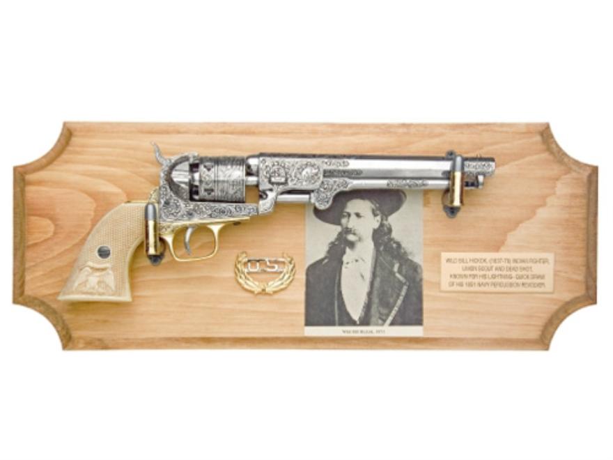 Collector's Armoury Replica Civil War Wild Bill Hickok Deluxe Non Firing Pistol and Fra...