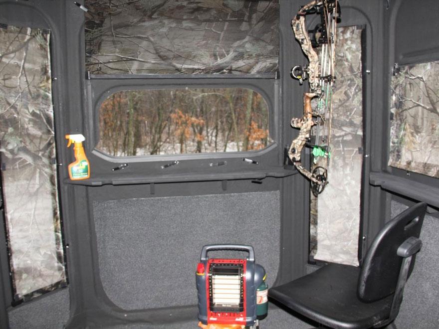 Redneck blinds predator 360 elevated box blind for Elevated deer hunting blinds