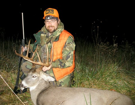 Steve Merz, MidwayUSA Purchasing Manager, with his Mid-Missouri whitetail.