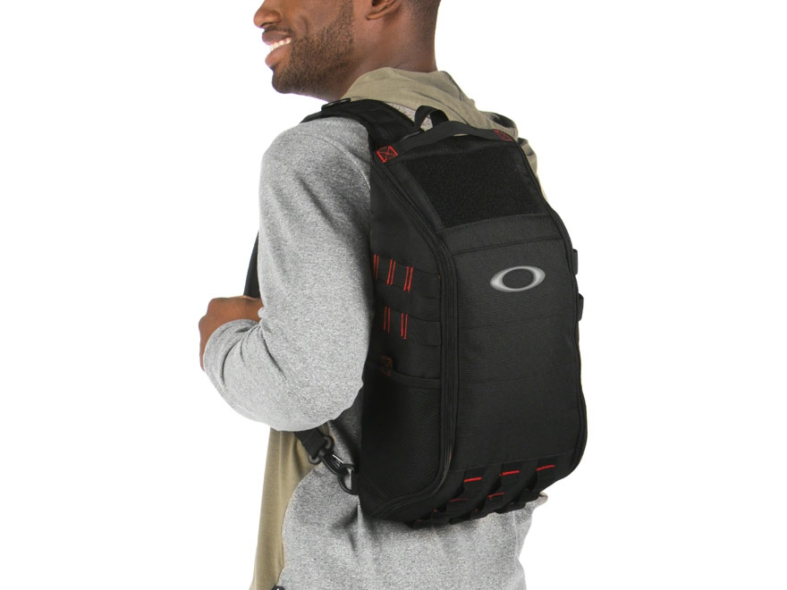 3a737c3e778 Oakley Extractor Sling Pack - Bitterroot Public Library